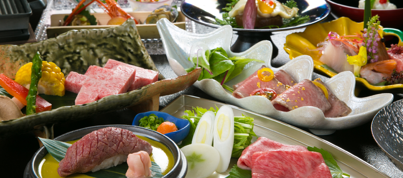 個室の食事処で飛騨高山の美味を京風会席で味わう
