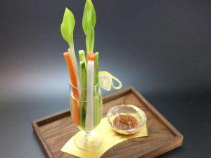 野菜スティックと手作り味噌
